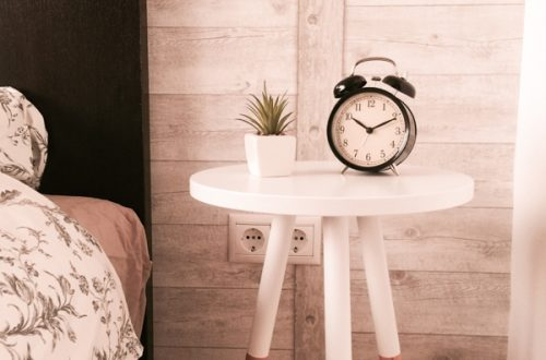 Bed table clock